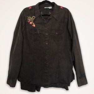 Nostalgia Floral Embroidered Hi/Low Button Shirt